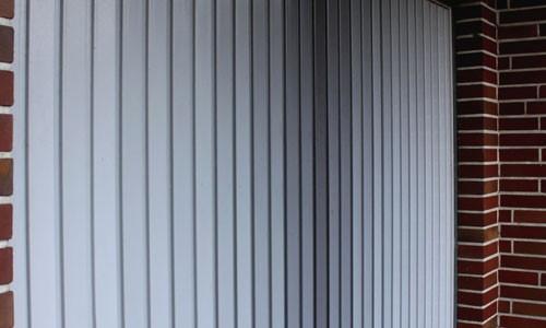 Nein, sooo schön ist die Garage in London nicht! Foto: © uschi dreiucker  / pixelio.de