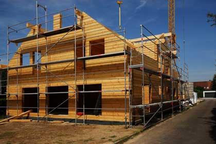 Blockhaus im Bau